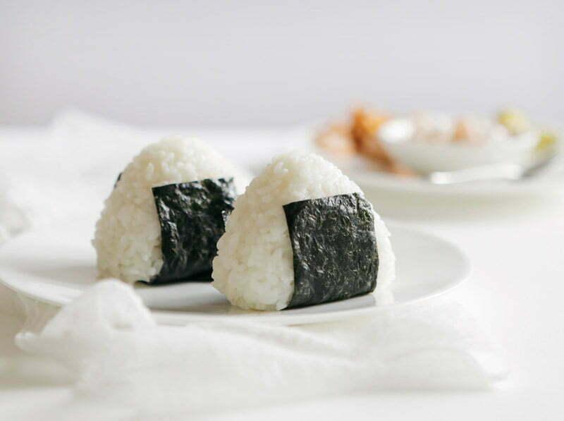 onigiri avec du riz rond japonica akafuji