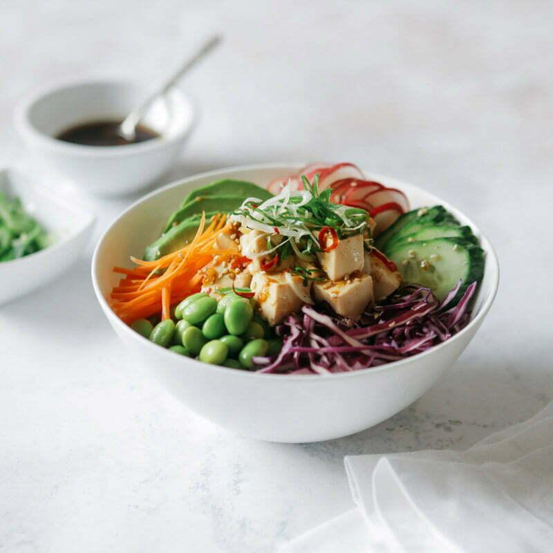 poke bowl végétarien avec du riz rond japonica akafuji