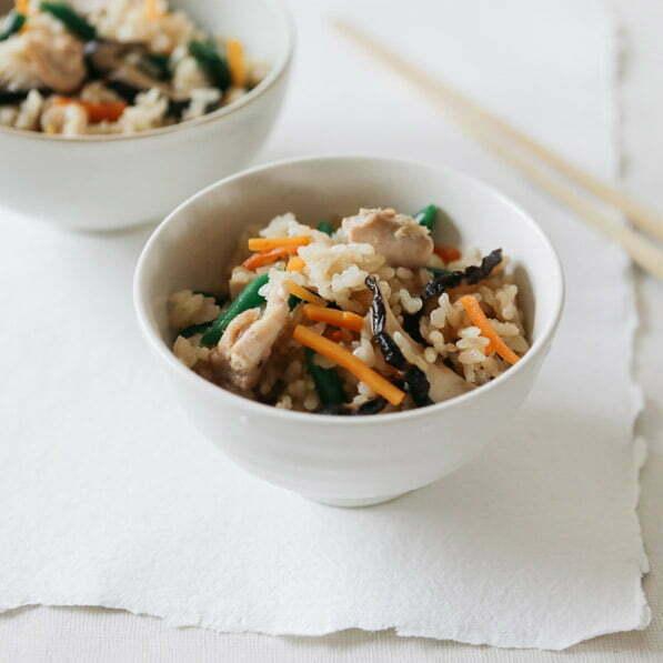 riz au poulet takikomi-gohan avec du riz rond japonica akafuji