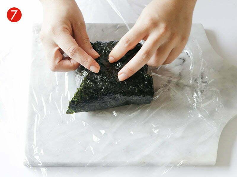 étape de la recette d'onigirazu avec du riz rond japonica akafuji